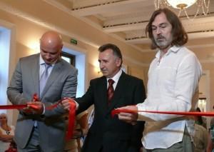 В Ялте открылась выставка известного художника Никаса Сафронова